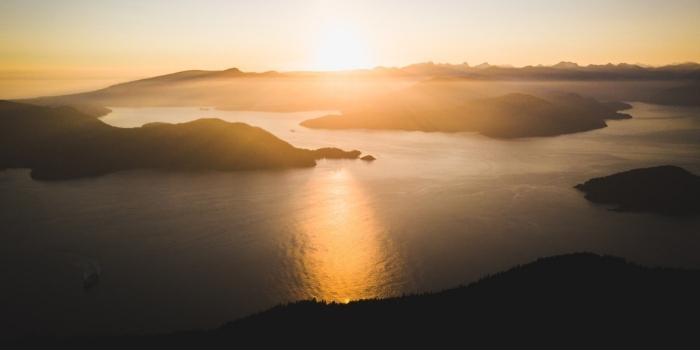 Beautiful scenic photo of the West Coast