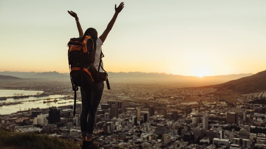 Is traveling alone boring? 10+ Reasons to Travel Alone