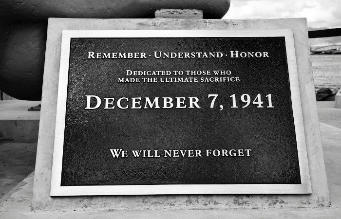 a photo of a pearl harbor memorial in Honolulu, Hawaii