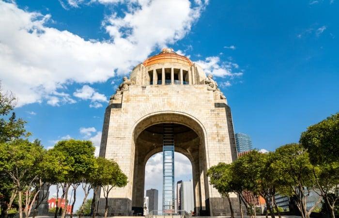 the monumento a la revolucion in Mexico City